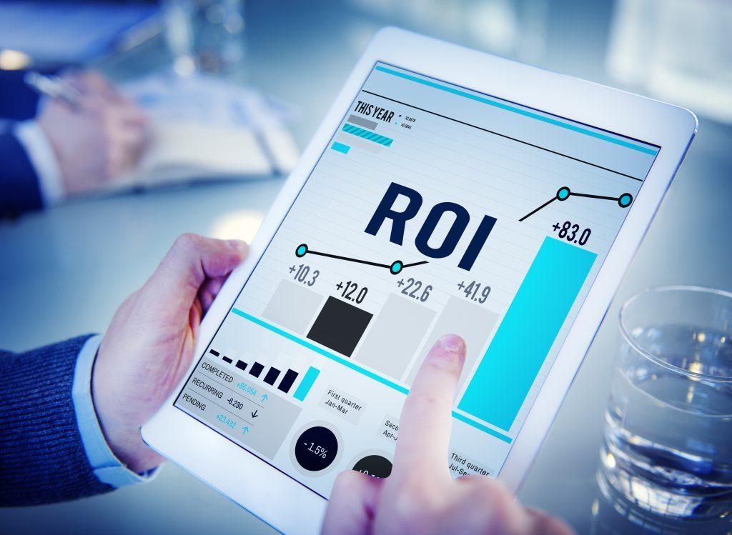 """Какво означава ROI? ROI от английски език """"return of investment"""" в превод на български означава възвращаемост на инвестицията."""